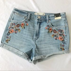Abercrombie & Fitch High Rise Short Floral Detail